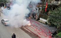 Chủ tịch Hà Nội chỉ đạo xử lý nghiêm vụ đốt hàng chục mét pháo ăn mừng đám cưới