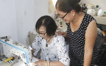 Những cô thợ may khẩu trang miễn phí phát cho công nhân, lao động nghèo ở Sài Gòn