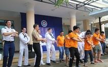 Hải quân Mỹ nhảy 'Gangnam style' trong trung tâm dạy nghề ở Đà Nẵng