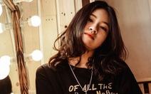 Ca khúc '2 phút hơn' của nữ sinh 17 tuổi gây sốt với hàng triệu lượt nghe