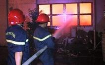 800m2 kho xưởng trong Khu công nghiệp Cát Lái bị thiêu rụi
