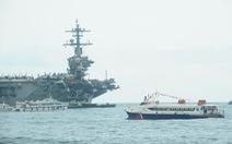 Đội tàu hai lần đón hàng không mẫu hạm Mỹ