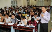 Sinh viên ĐH Y dược TP.HCM trở lại học: Chụp ảnh vị trí ngồi mỗi giờ học