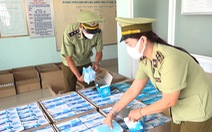 Bắt giữ hơn 30.000 khẩu trang y tế, 2.300 chai gel rửa tay 'vô chủ'