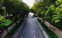 Sài Gòn vắng lặng khác lạ trong ngày đầu cách ly toàn xã hội