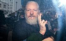 Ông trùm Wikileaks có 2 con trong thời gian tị nạn ở sứ quán Ecuador