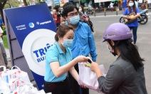 Nhân bản 'ATM gạo', lan tỏa yêu thương từ Nam chí Bắc