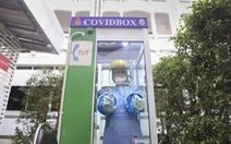 Thái Lan lắp đặt 'Hộp COVID' để bảo vệ nhân viên y tế