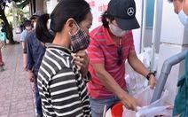 'ATM gạo' tại Nha Trang 'khai trương', phục vụ 500 suất/2kg/ngày