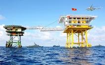 Nhà giàn DK1/10 cấp cứu 2 ngư dân Kiên Giang