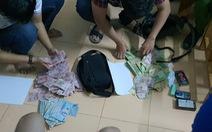 Bắt được 2 đối tượng dùng dao uy hiếp nhân viên ngân hàng cướp 200 triệu đồng