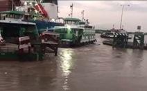 Tàu biển va chạm bến nổi, phà Cát Lái phải giảm tải