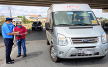 Kiểm tra các cửa ngõ: buộc hơn 70 phương tiện chở khách sắp vào TP.HCM quay đầu