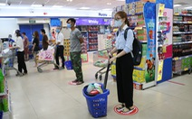 Bà con mình nhớ chú ý an toàn khi mua sắm trong mùa dịch COVID-19