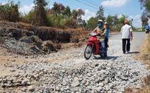 Sửa chữa gấp đoạn sạt lở tuyến đê bao rừng U Minh Thượng