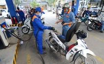 Xăng RON95 giảm hơn 300 đồng, dầu giảm cao nhất gần 900 đồng/lít