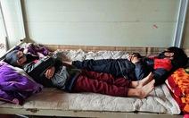 Học sinh bán trú nằm ngủ quay đầu với nhau phòng COVID-19