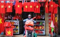 Hà Nội, TP.HCM rực rỡ cờ đỏ mừng 45 năm ngày thống nhất đất nước