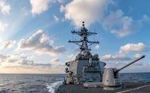 Hai tàu khu trục Mỹ thực thi tự do hàng hải gần Hoàng Sa và Trường Sa