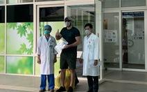 Bệnh nhân người Mỹ nhiễm COVID-19 xuất viện: 'Cảm ơn Việt Nam đã cứu tôi'