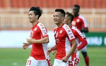 Các CLB V-League: Đau đầu chuyện giảm lương