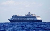 Số phận bi thảm của 6 du thuyền đang bị mắc kẹt giữa biển không nơi nào cho cập bến