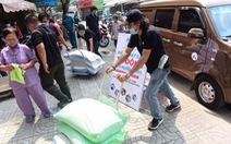 Người Sài Gòn rủ nhau chở gạo tới góp, 'ATM gạo' nhân ái tuôn trào như suối