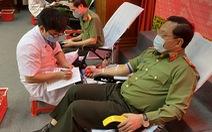 Thiếu tướng Nguyễn Hải Trung và 300 công an Thanh Hóa hiến máu vì cộng đồng