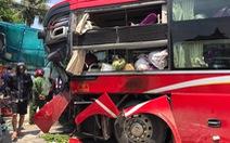 Xe khách đối đầu container, một phụ nữ chết tại chỗ