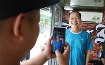 Tiệm hớt tóc trên xe tải đi xuyên Việt gom 10.000 nụ cười gây quỹ