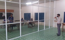 Giáo viên đi hơn 20km dạy học cho 6 học sinh từ Campuchia về đang cách ly