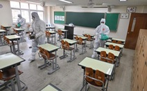 Lo sợ làn sóng COVID-19 mới, Hàn Quốc hoãn mở cửa trường học