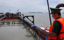 TP.HCM: Một thuyền viên từ Philippines về bị nóng sốt được đưa đi cấp cứu