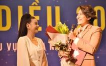 Kiều Minh Tuấn - Cát Phượng nhận Cánh diều, ban tổ chức xin lỗi nhầm tên bé Ngân Chi