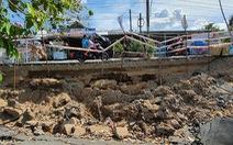 Tan nát những tuyến đường vùng ngọt hóa Cà Mau