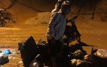 Bình Thuận: Mưa đầu mùa khiến cát đỏ trôi như lũ trên tuyến đường đang thi công
