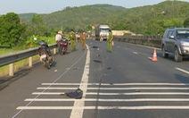 Truy tìm xe rời khỏi hiện trường sau vụ tai nạn chết người
