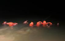 Lật thuyền đánh cá trong đêm, hai chú cháu chết đuối