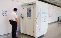 Sân bay Hong Kong dùng buồng khử trùng toàn thân cho khách trong 40 giây
