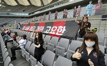 Đưa 'búp bê tình dục' lên khán đài, CLB FC Seoul bị phạt nặng