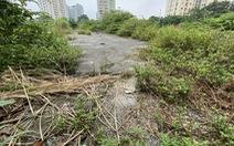 Cận cảnh lô 'đất vàng' 11 năm bỏ hoang ở Hà Nội bị kiến nghị điều tra
