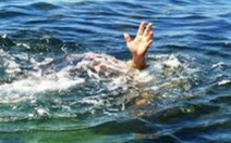 Nắng nóng rủ nhau ra đập tắm, 2 học sinh cấp 3 chết đuối