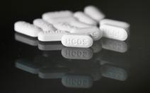 WHO ngừng thử nghiệm thuốc sốt rét cho COVID-19, ông Trump thông báo ngừng dùng
