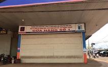 Xăng dầu ngừng bán vì... mất điện, mắc đi chợ, đi đám giỗ