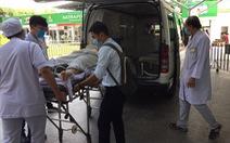 Hai học sinh trong vụ cây bật gốc gãy đổ đang được phẫu thuật