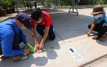 TP.HCM: 'Cổng trường nghiêm ngặt chia lối đi như sân bay'