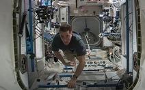 Trực tiếp: Hình ảnh từ tàu vũ trụ, hàng trăm ngàn người đang theo dõi