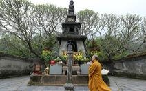 Lắng lòng thanh tịnh tắm Phật tại Lễ Phật đản chùa Yên Tử
