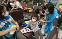 240 công dân Việt Nam từ Pháp trở về nước, đưa đi cách ly