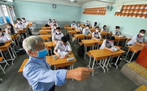 Học sinh đi học trở lại: Trường tìm đủ cách chống nóng